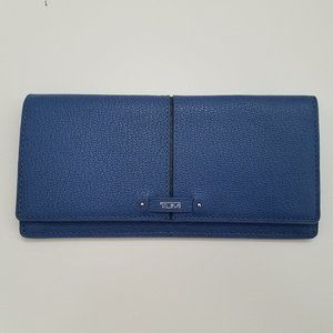 Tumi women blue wallet clutch Flap large cards